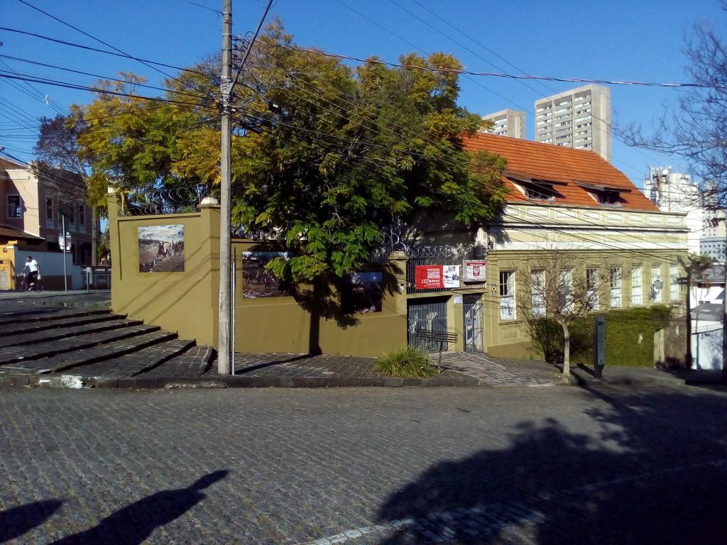 (Sede da CCPB onde acontece o Bazar 10zão)